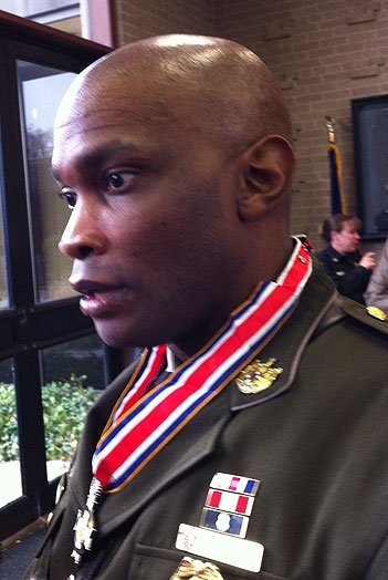 Officer honored for bravery in Discovery standoff