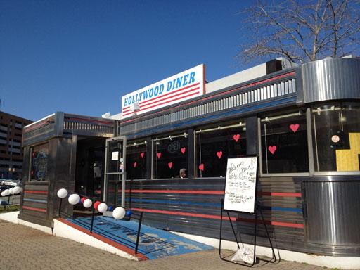 Landmark Hollywood Diner opens its door again