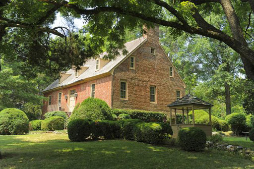 Mansion G.W. and Jefferson visited up for auction