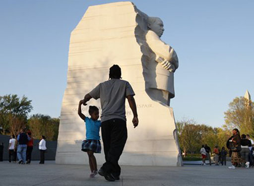 MLK memorial sees crowds come in droves