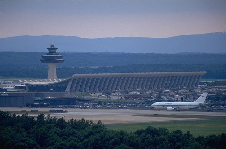 Survey: Dulles International Airport the worst for airport layovers