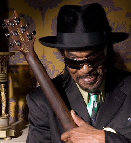 Thousands gather to remember Chuck Brown