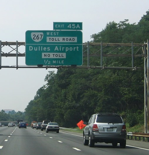 Petition drive fights Dulles Toll Road hike