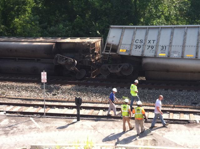 2 women killed as train derails in historic Ellicott City