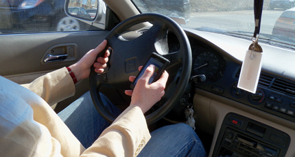 Survey: Teens feel pressure to text while driving