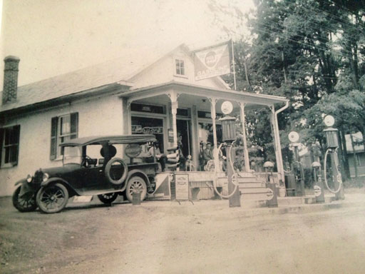 Ten cent beers and hitching posts: The history of Hank Dietle's Tavern