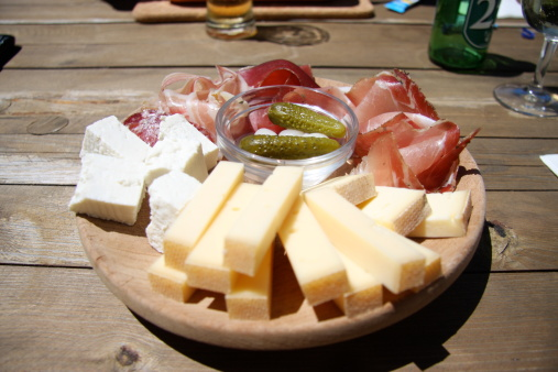 Cheese, meat, beer could cause headaches for some