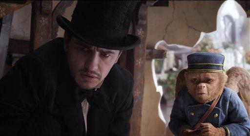 Raimi attempts magic trick in 'Oz' prequel (VIDEO)