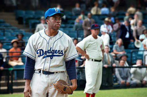 Jackie Robinson hailed as mythic hero in '42'