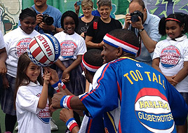 Globetrotters bring battle against obesity to D.C. school