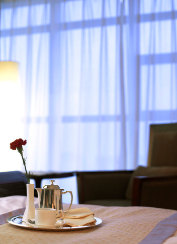 Hilton hotel stops room service for customers | WTOP
