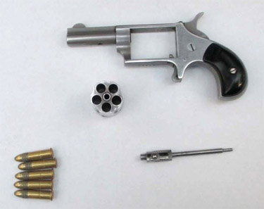 Man with loaded gun stopped at Dulles Airport