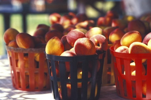 When to pick your garlic and what's needed to harvest good peaches