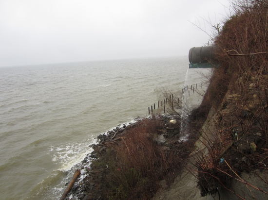 Calvert Co. using FEMA funds to buy, raze cliffside homes