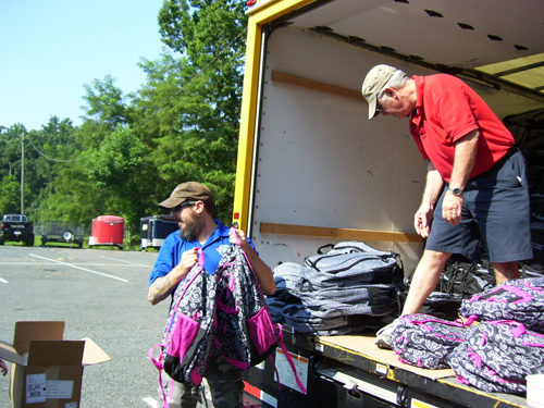 Nonprofit distributes 5,000 backpacks to military kids