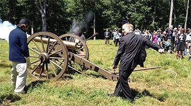 Embattled Va. gov. wraps up 7-day legacy tour in Leesburg
