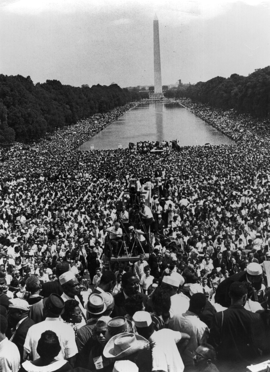 28th August 1963: Over 200,000 people gather around the Lincoln Memorial in Washington DC, where the civil rights March on Washington ended with Martin Luther King's 'I Have A Dream' speech.   (Photo by Hulton Archive/Getty Images)
