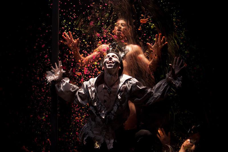 Dorian Gray paints unique picture, performance at Arlington's Synetic Theater