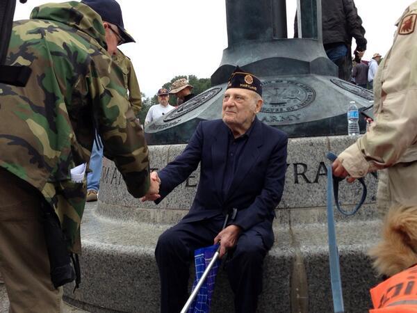 Crowd storms World War II Memorial