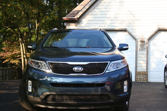 Kia Sorento, Nissan Rogue make for complementary crossovers
