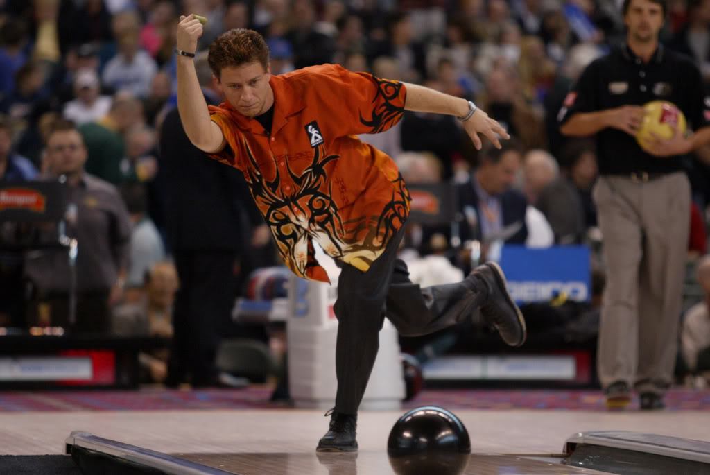 Baltimore Hall of Fame bowler shines in fading sport