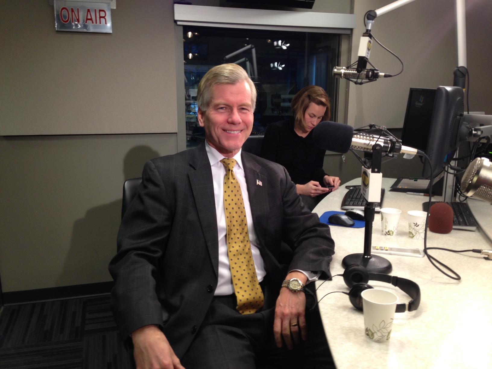 Va. Gov. Bob McDonnell offers advice to Terry McAuliffe