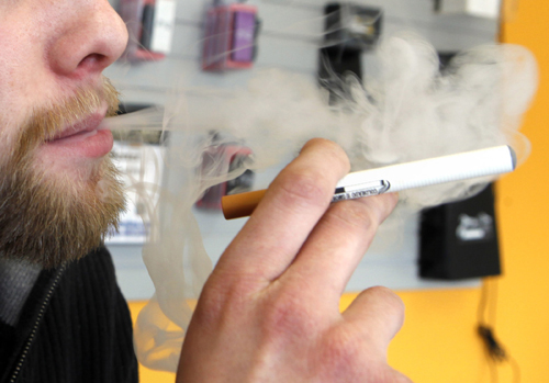Employers differ on electronic cigarettes at work