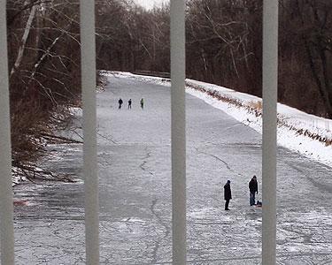 Pond skating never a good idea