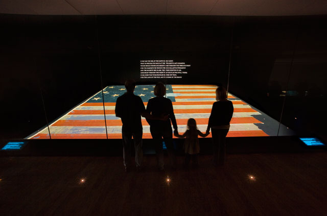 'Star-Spangled Banner' flag and lyrics headed for reunion