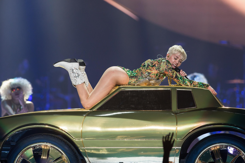 Parents say 'no way' to Miley Cyrus