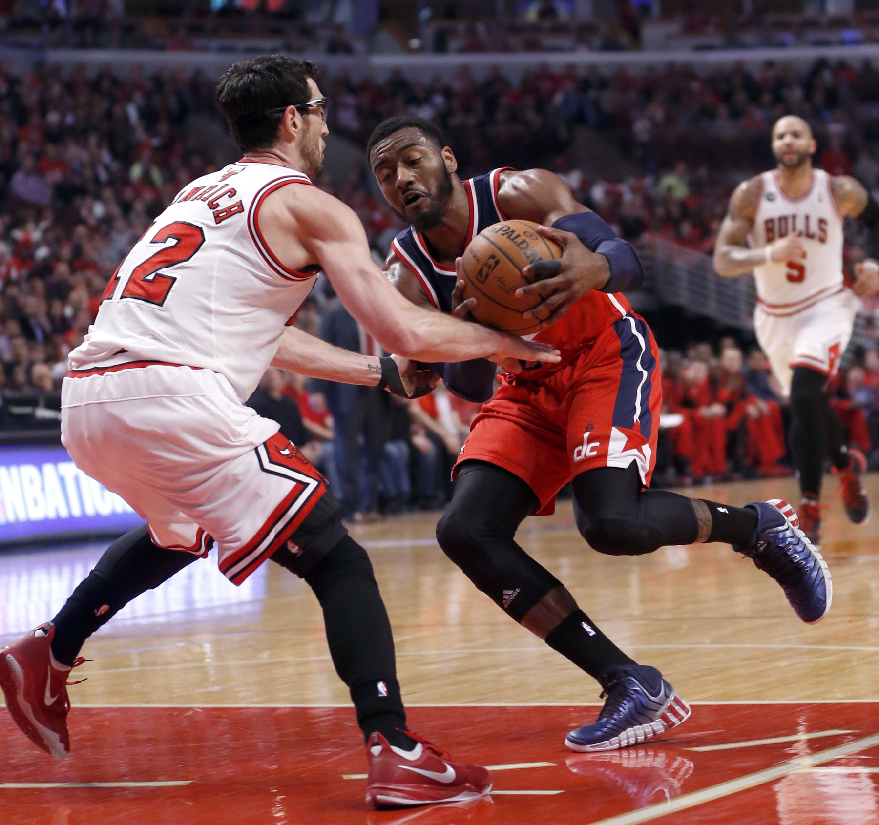 Wizards top Bulls, 101-99, in OT to take 2-0 lead