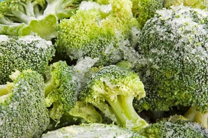 Seeking fresh food, frozen meal sales continue to slip