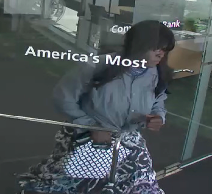 Maryland bank robbed by man dressed as woman