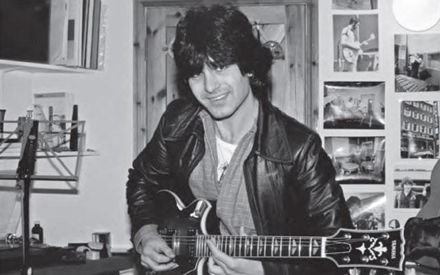 Laurence Juber talks 'Guitar With Wings,' Paul McCartney (Photos)
