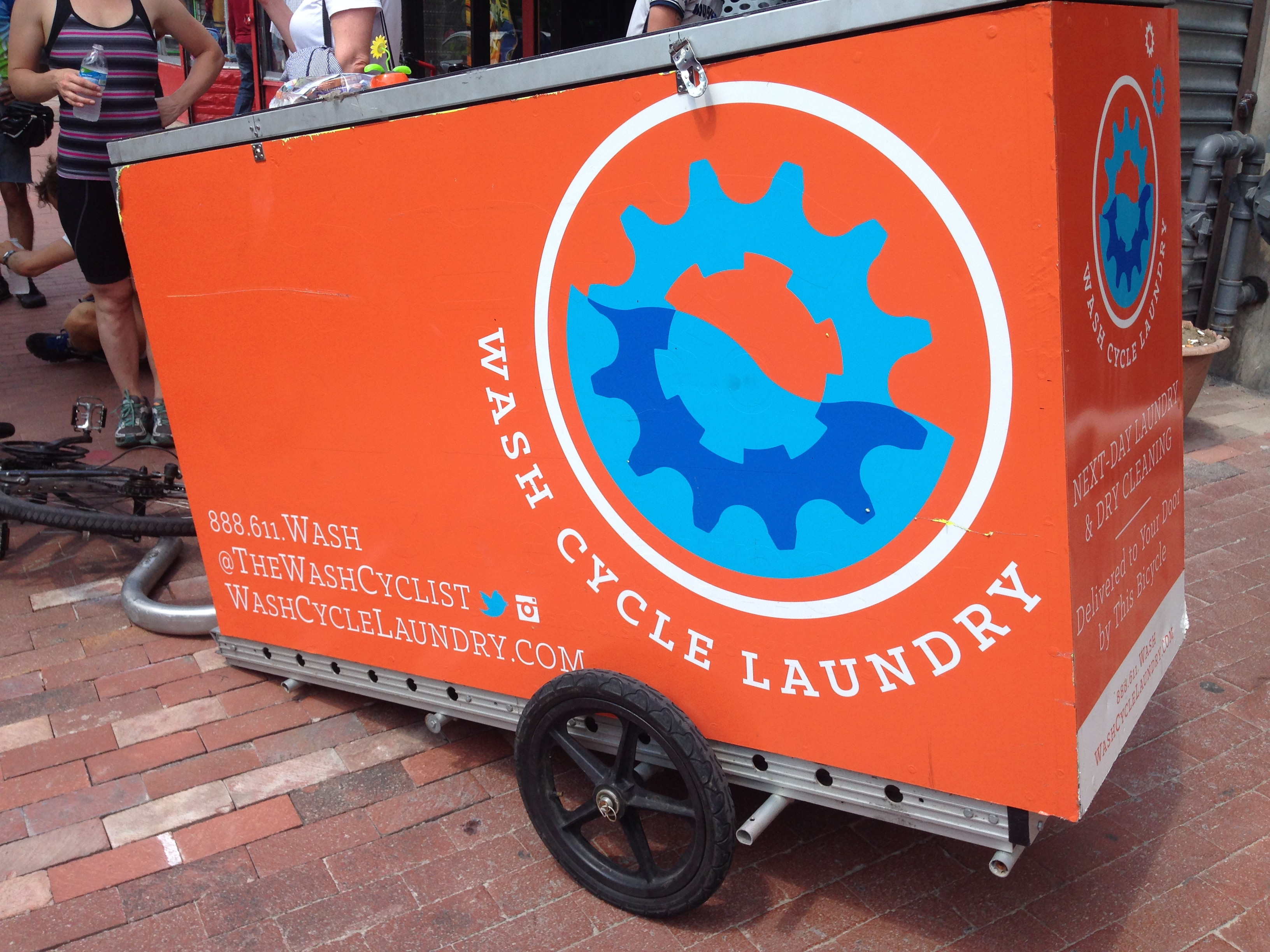 D.C. business washes laundry, delivers it on bikes