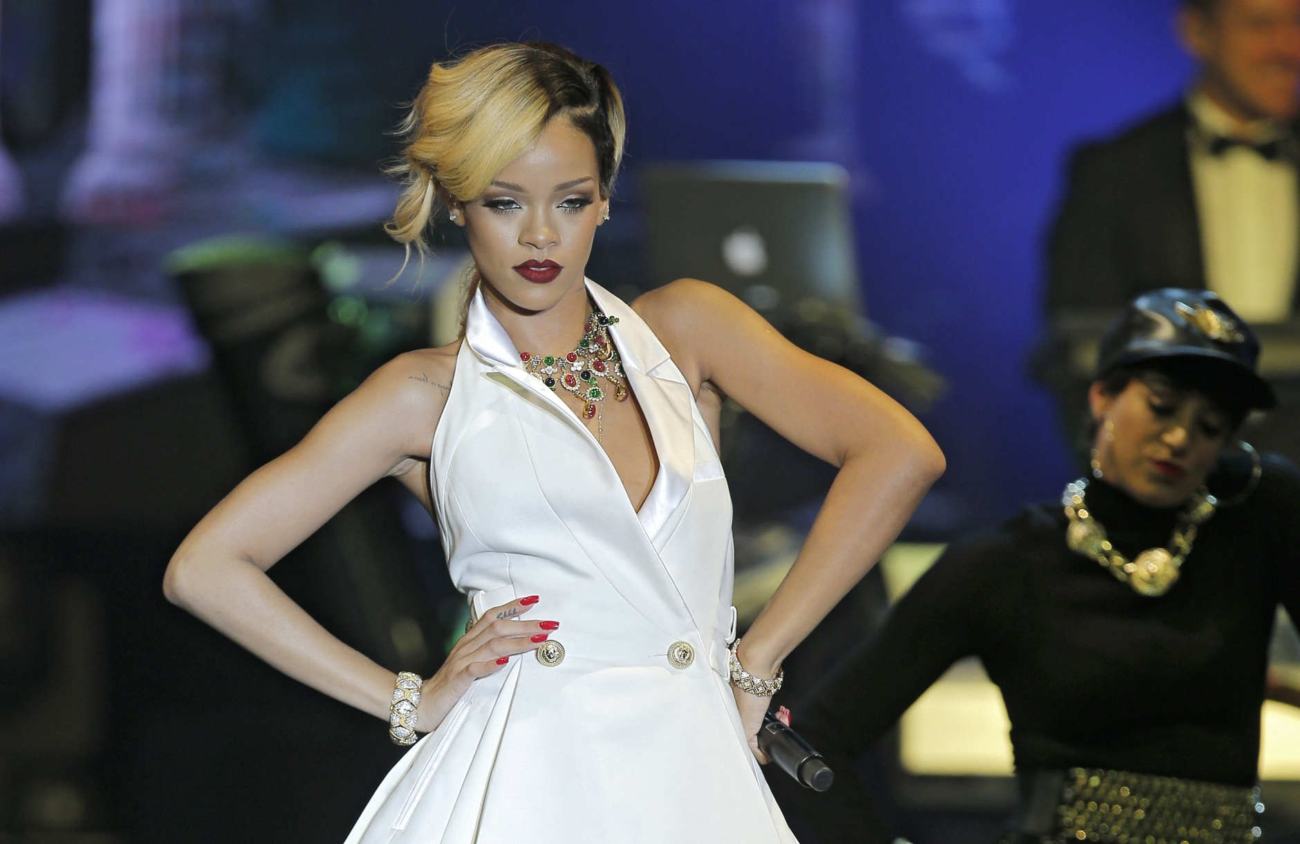 Ap Photos A Look At Rihanna S Fashion And Style Wtop