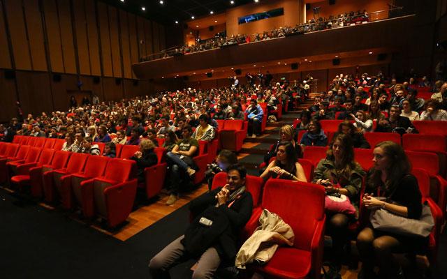 Hollywood slump haunts box office sales