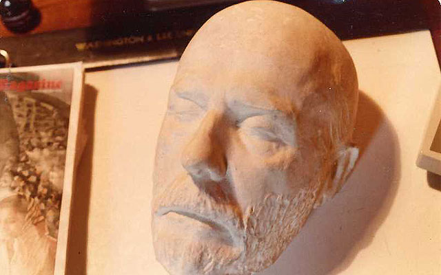 Inside the art of life and death masks (Photos)