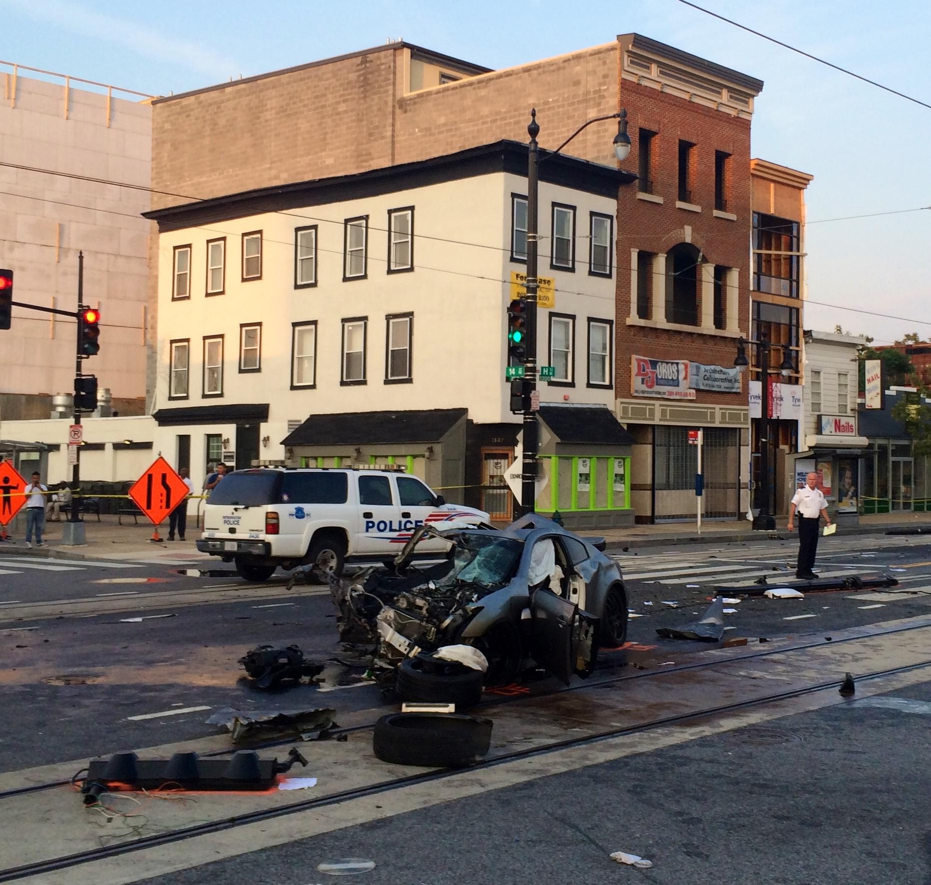 Man dies in crash on H Street in Northeast