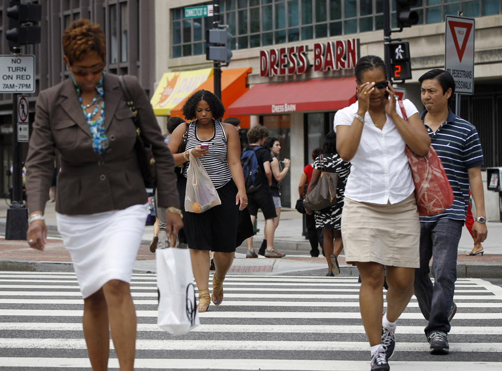 Distracted smartphone walking poses safety risks