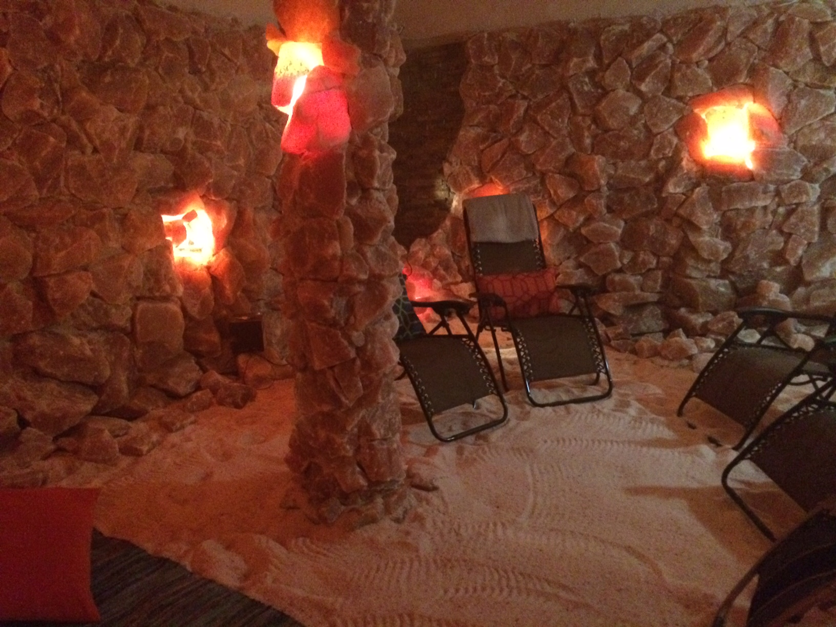 Allergy and asthma sufferers seek relief at Md.'s first salt cave