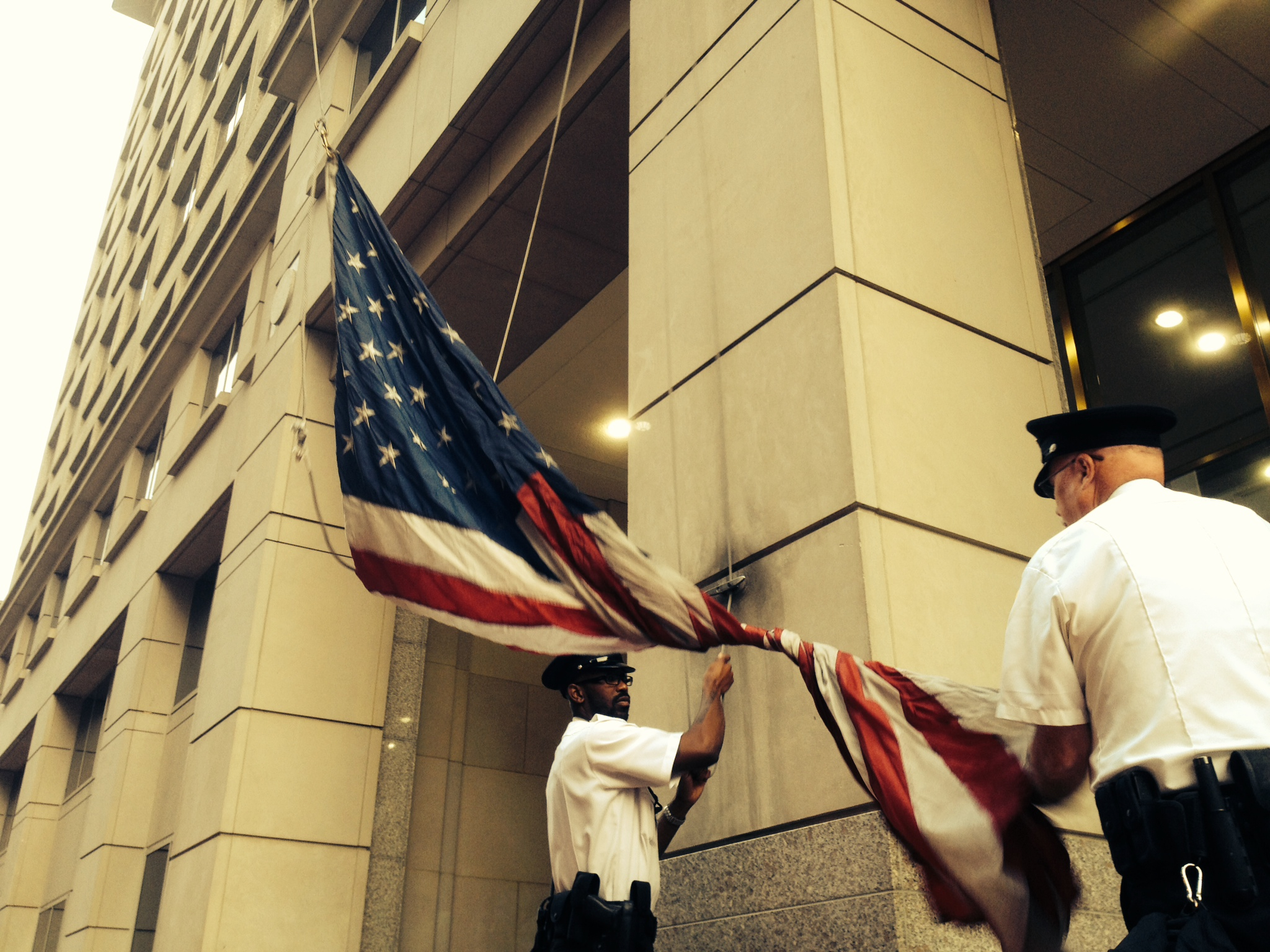 Treatment and etiquette tips for the American flag