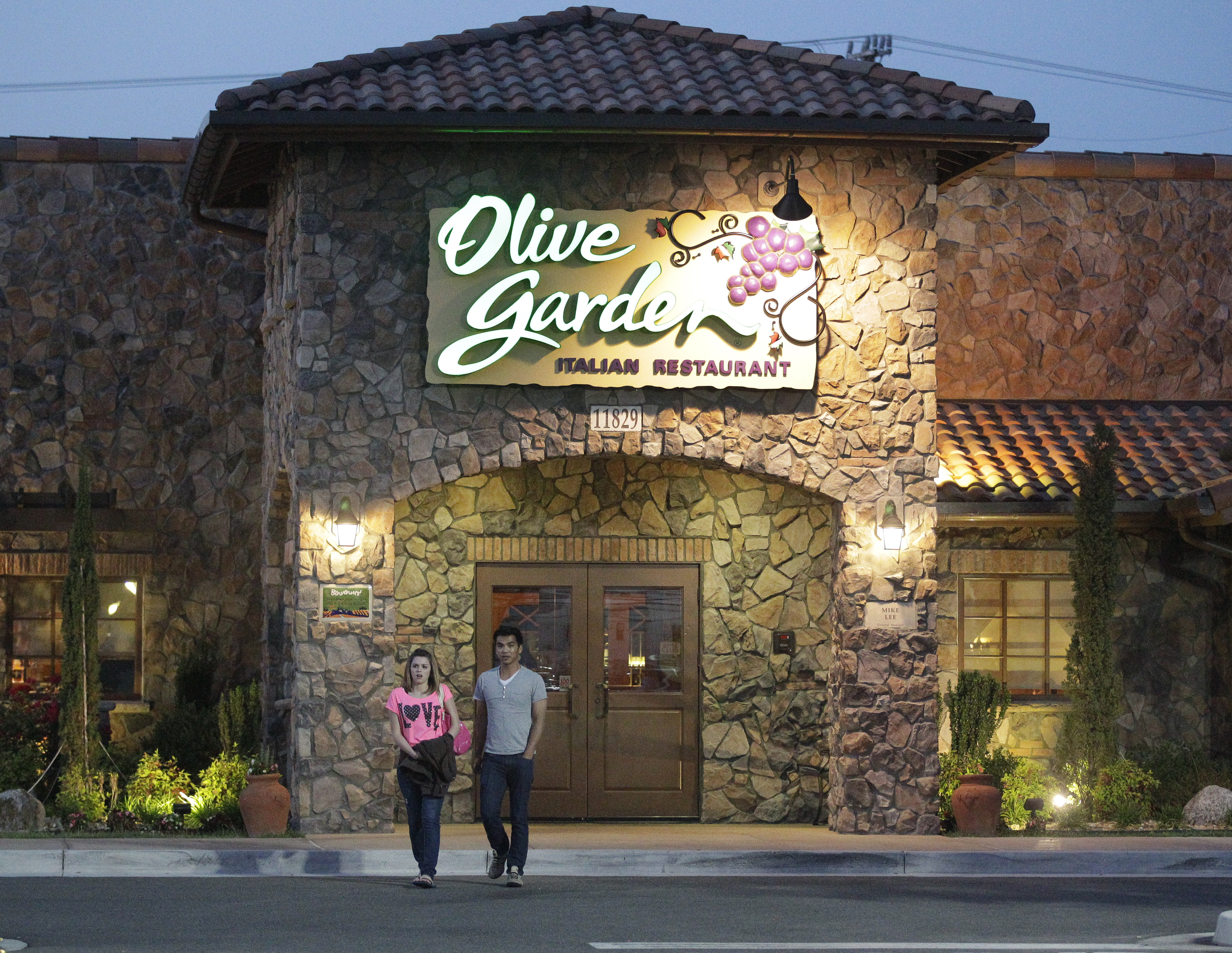 Olive Garden Special Offers Seven Weeks Of Pasta For 100 Wtop