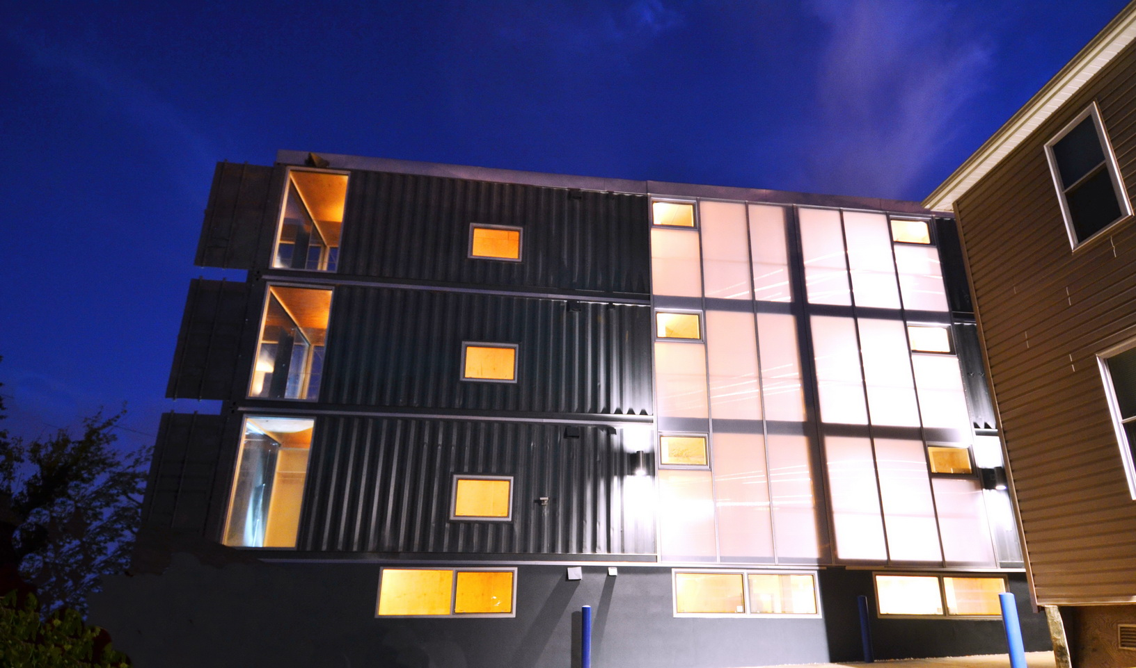 d c 39 s shipping container apartment project completed