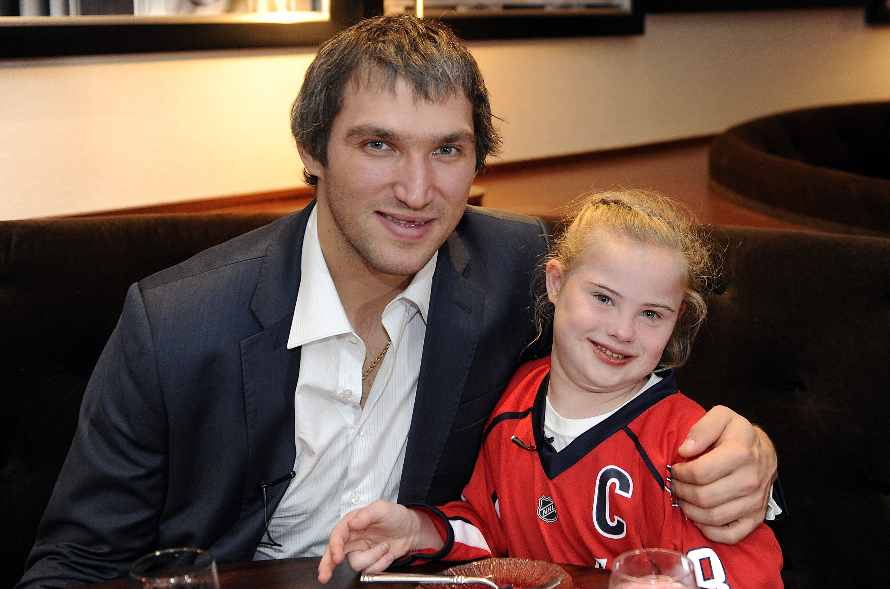 Alex Ovechkin surprises 10-year-old fan with date (Photos)