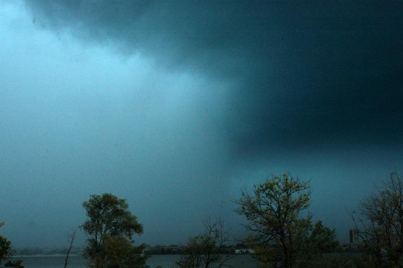 After 2 weak tornadoes hit, meteorologist explains logic behind warnings