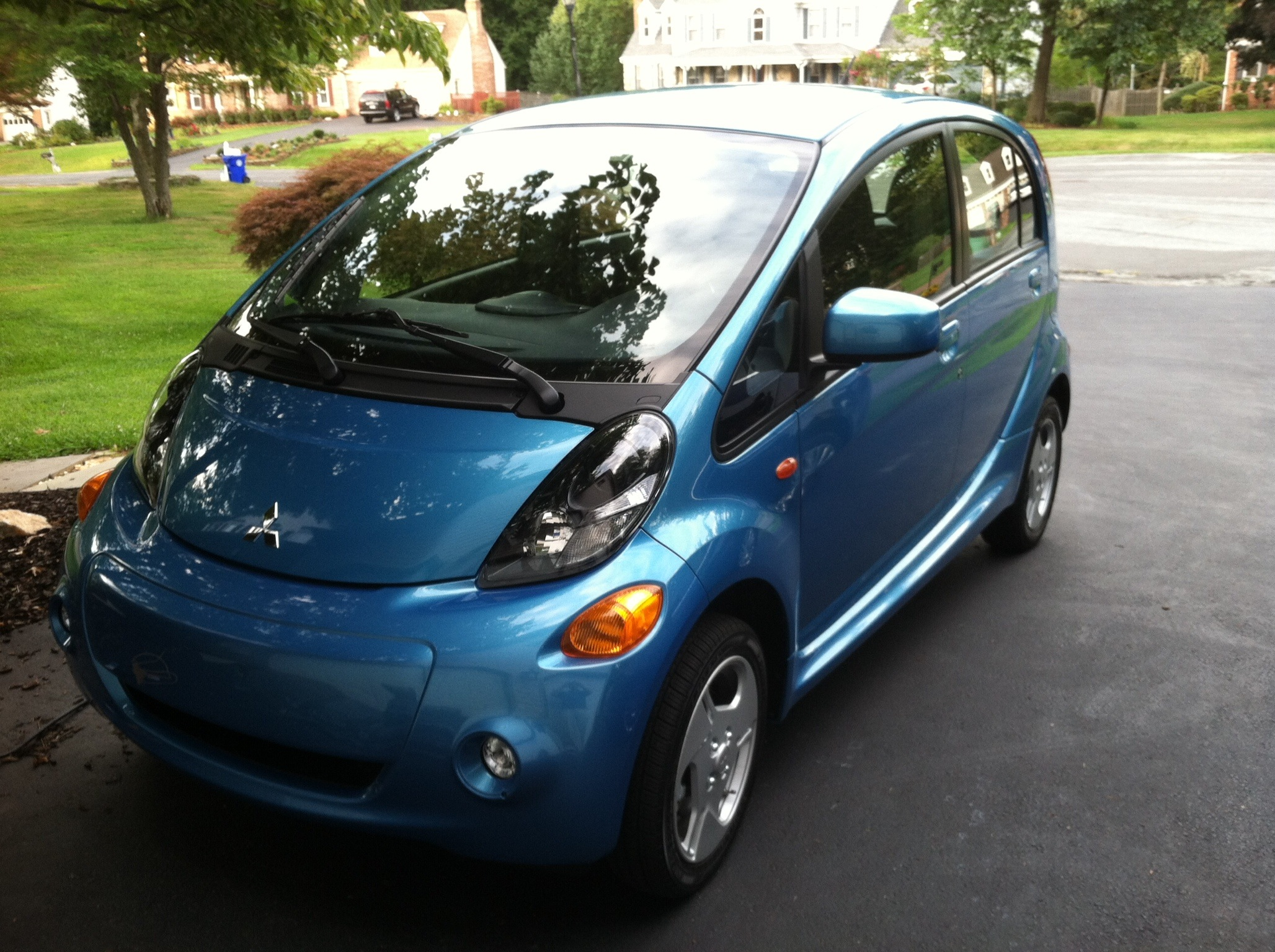 car report mitsubishi i miev is the cheapest way to drive. Black Bedroom Furniture Sets. Home Design Ideas