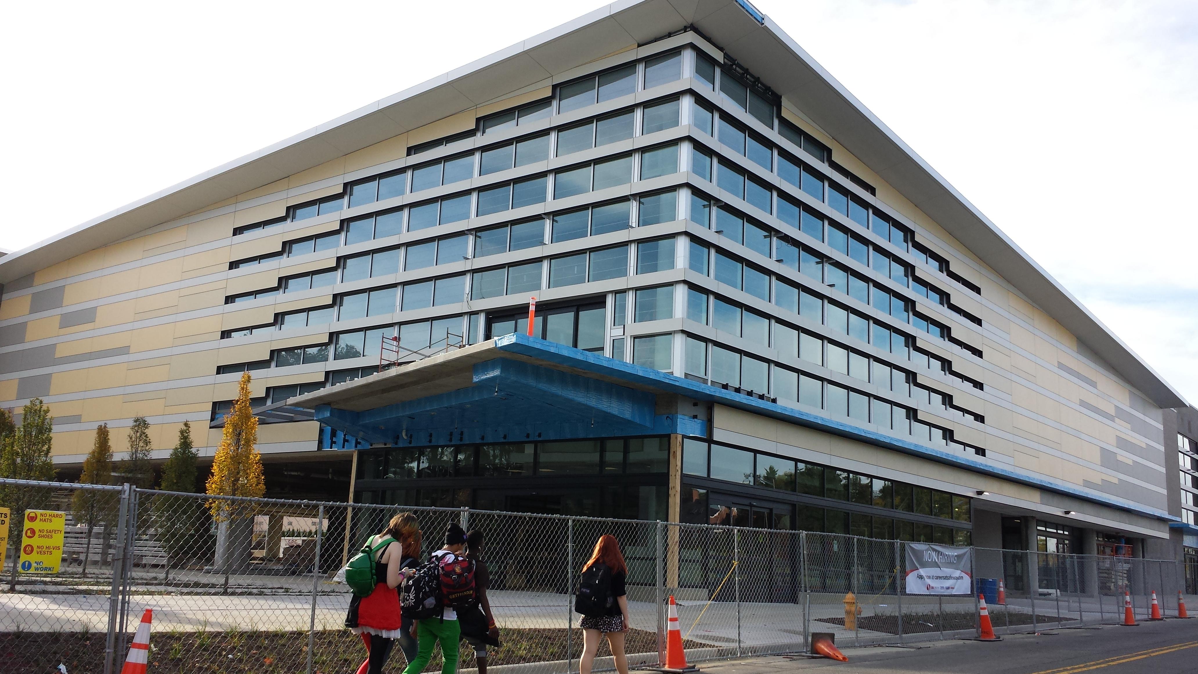 Alexandria Safeway reopening in December