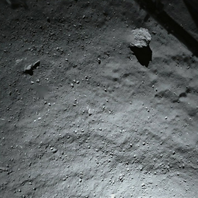 Rosetta spacecraft does close flyby of periodic Comet