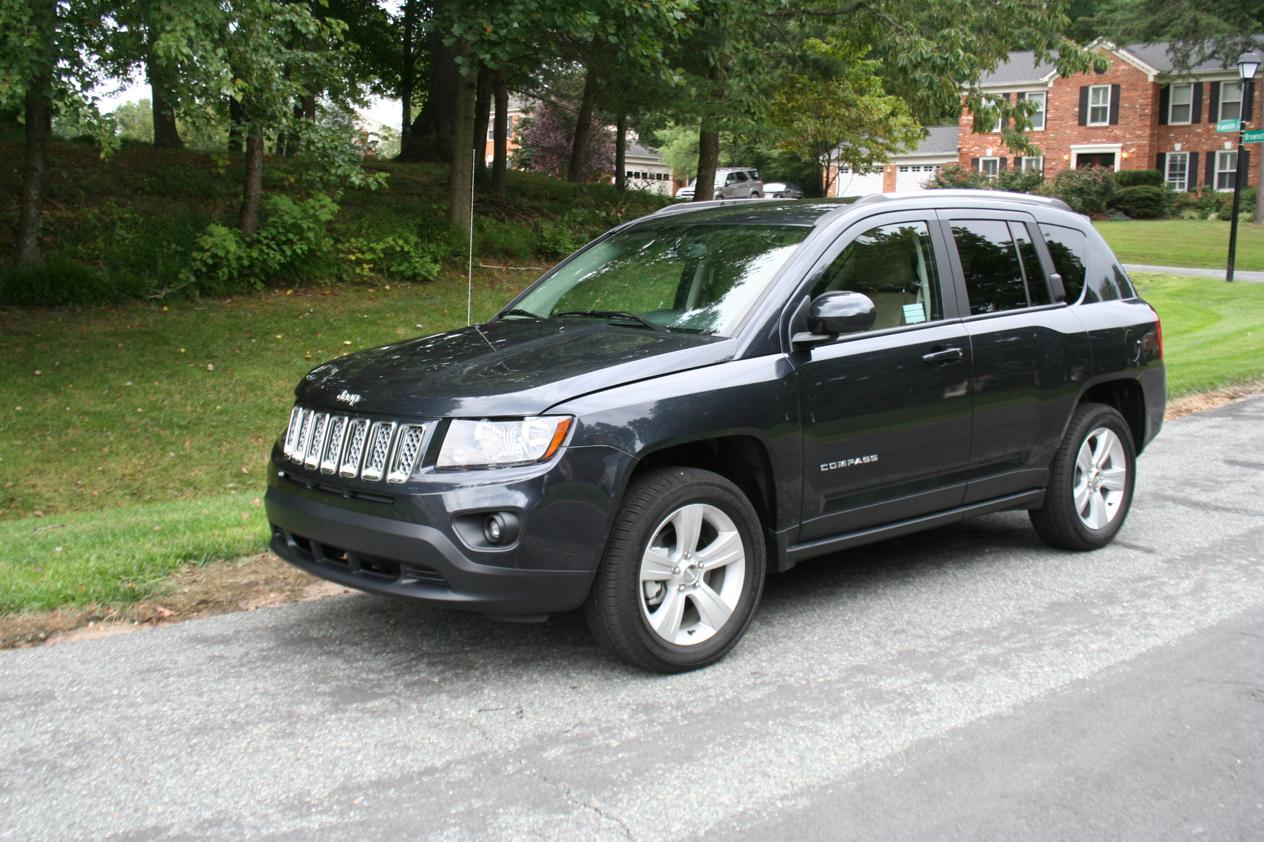 Car Report: 2014 Jeep Compass a small crossover with upscale looks